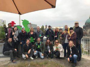 Instawalk mit Ampelmann - Gruppenfoto auf der Dachterrasse mit den Teilnehmern des Walks zum Abschluss der Veranstaltung