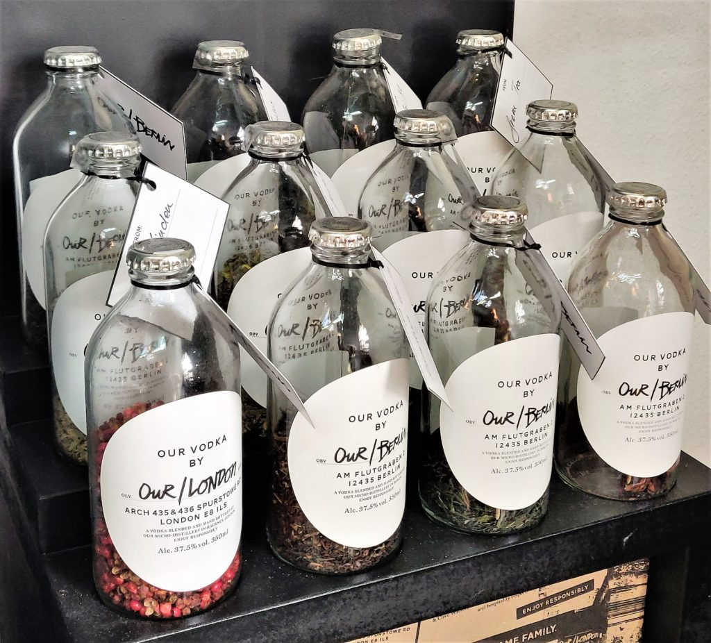 Our/Berlin von Our/Vodka kommt aus der Mikro-Distille in Berli-Kreuzberg