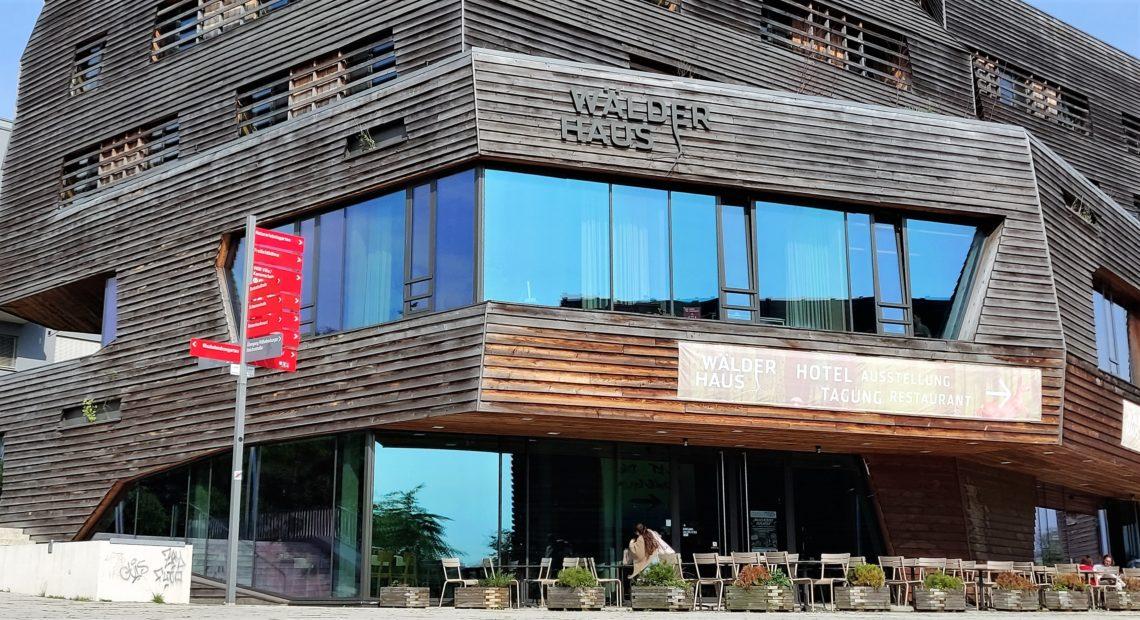 Raphael Hotel Wälderhaus - nachhaltig übernachten im Inselpark in Hamburg