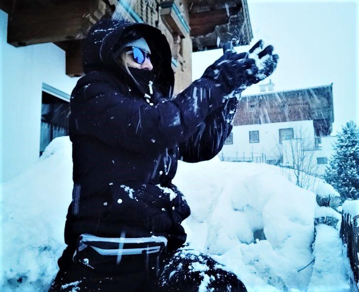 Hände frei für Schneespaß und Action